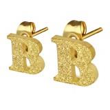 Stud de oreja en acero letra gold ip B