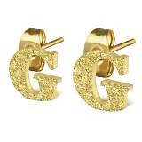 Stud de oreja en acero letra gold ip G
