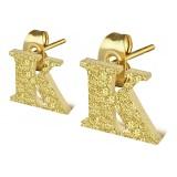 Stud de oreja en acero letra gold ip K